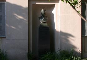 Thomas Sovereign Gates bust
