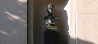 Thomas Sovereign Gates bust closeup